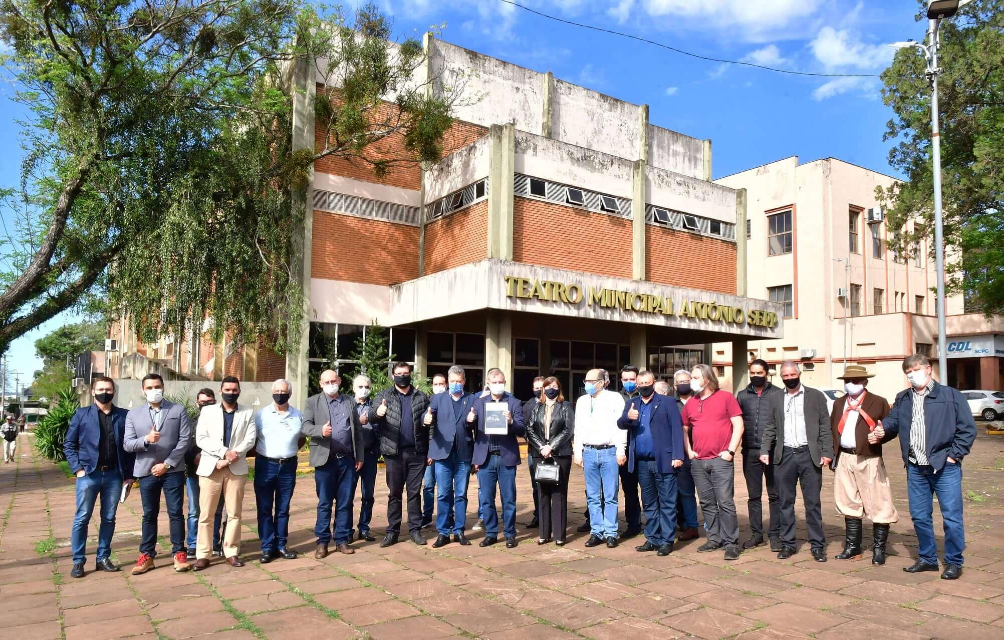 Lançado projeto de revitalização do Teatro Municipal