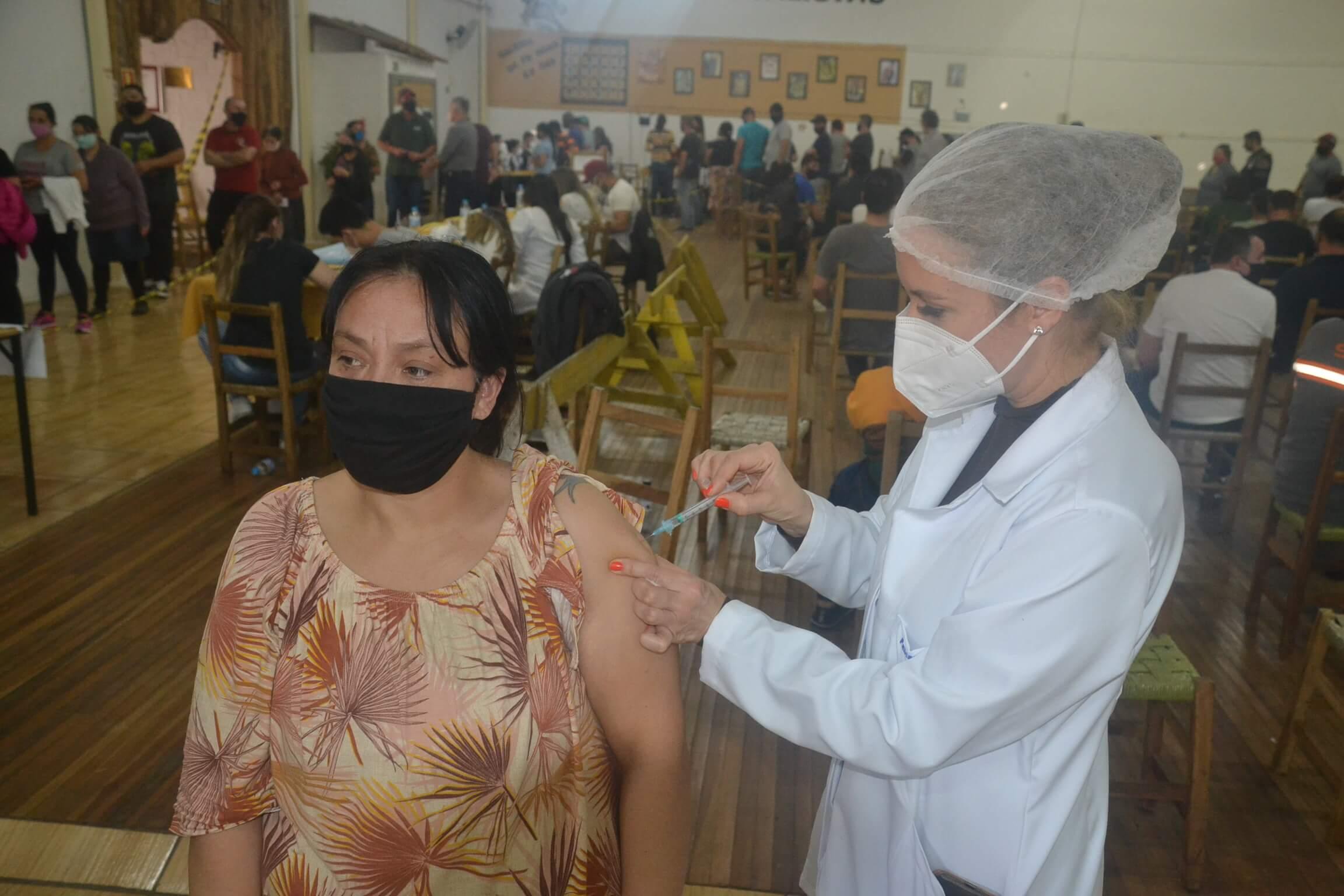 Santo Ângelo ultrapassa 50% da população com o esquema vacinal completo