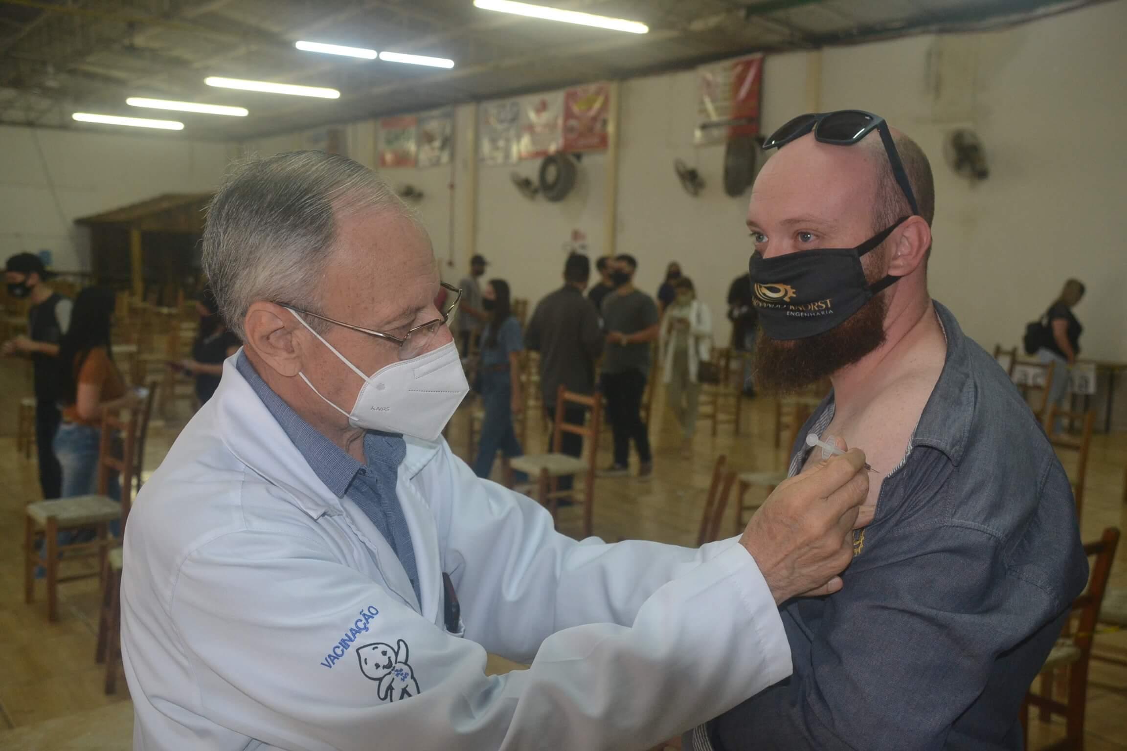 971 pessoas receberam a dose 3 da vacina antiCovid nesta sexta-feira em Santo Ângelo