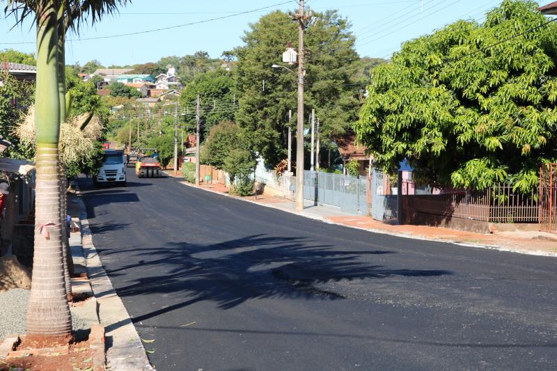 Pavimentação urbana e rural: projeto de melhoria das vias públicas do município