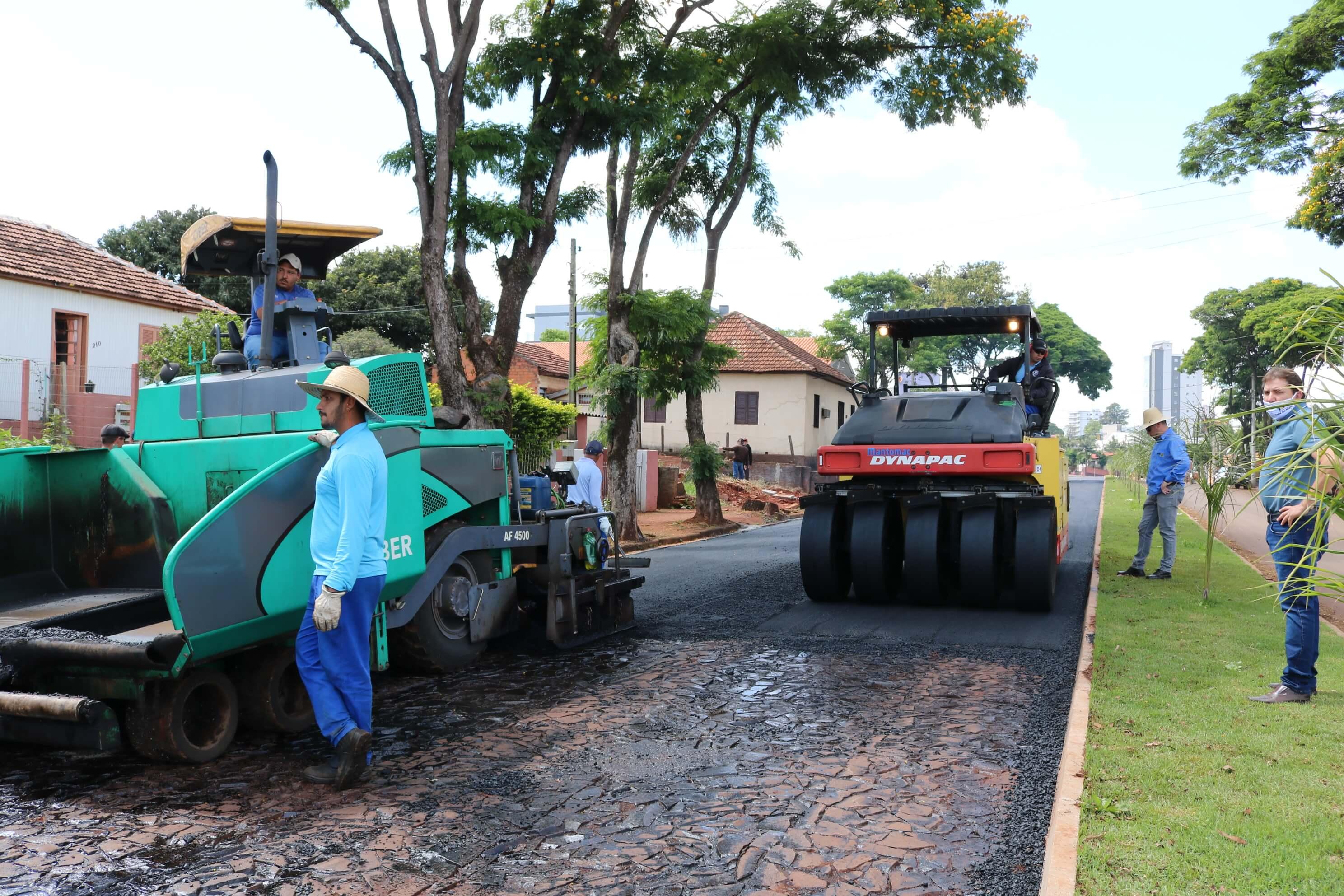 OBRAS NA AVENIDA MEDIANEIRA SÃO RETOMADAS