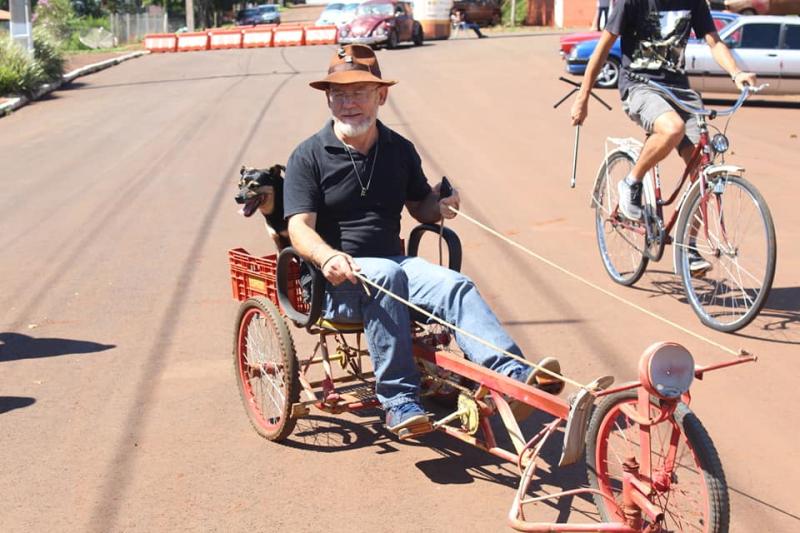 2º Encontro de Carros Antigos e Bicicletas e 1°Encontro de Bicicletas Clássicas e Customizadas