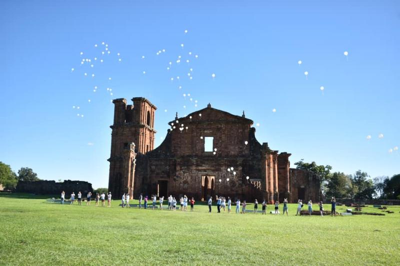 Balões saúdam a chegada do Ano Novo