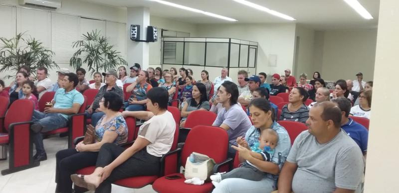 REUNIÃO COM FAMÍLIAS DEFINIU DETALHES PARA INAUGURAÇÃO DO COMPLEXO HABITACIONAL